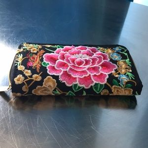 Handbags - Flower 🌸 Embroidered Wallet